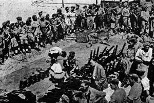 Armi rinvenute dagli inglesi presso il Kibbutz Yagur