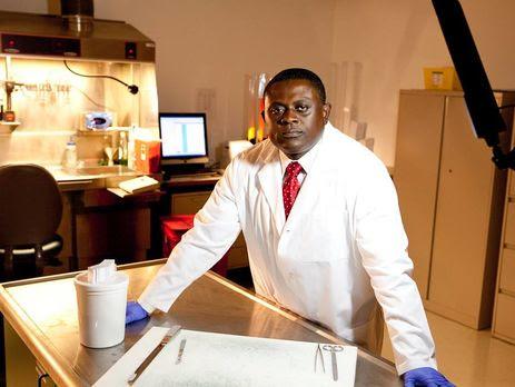 Омалу: Я советую сделать токсикологической анализ крови Клинтон
