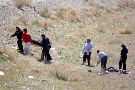 El hallazgo de una pareja asesinada el 11 de marzo de 2015 en Ciudad Juárez, Chihuahua. Foto: Ricardo Ruíz