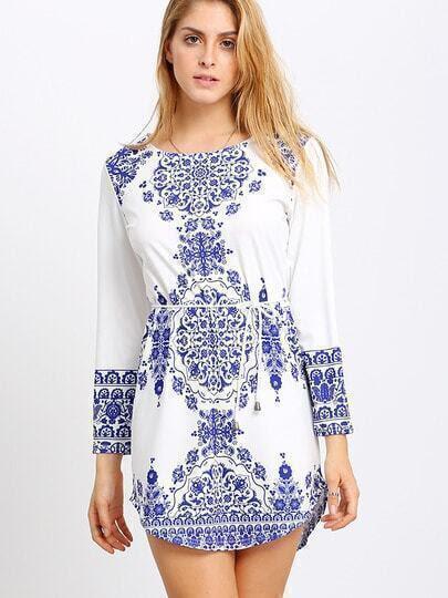 http://www.shein.com/Blue-Long-Sleeve-With-Belt-Vintage-Print-Dress-p-212683-cat-1727.html?utm_source=truskawkowakawa.blogspot.com&utm_medium=blogger&url_from=truskawkowakawa