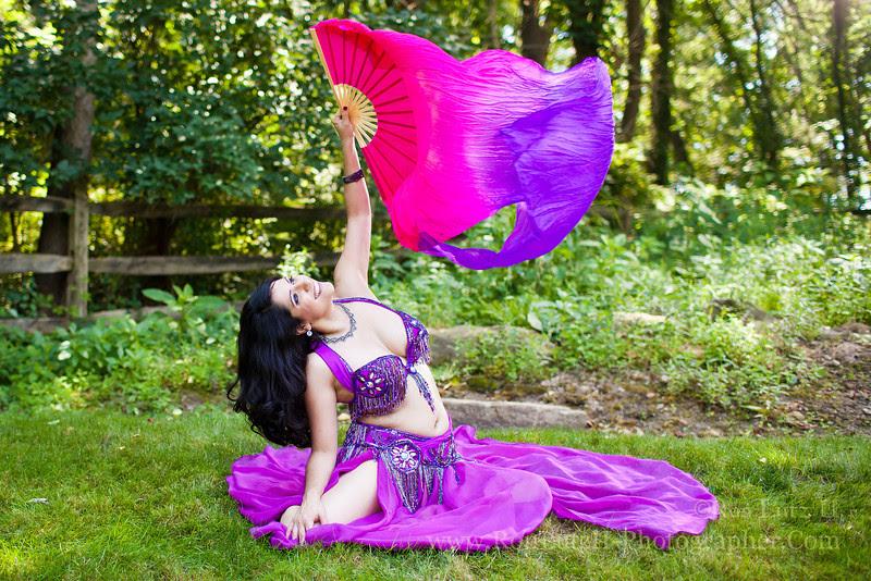 Bee; Law; bellydancer; belly; dancer; dance; performer; artisit; Middle; Eastern; veil; bra; model