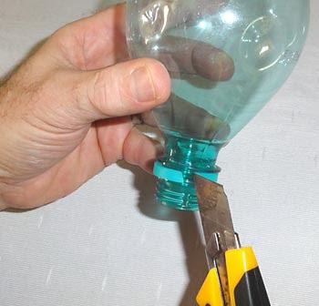 إزالة الختم من الزجاجات البلاستيكية