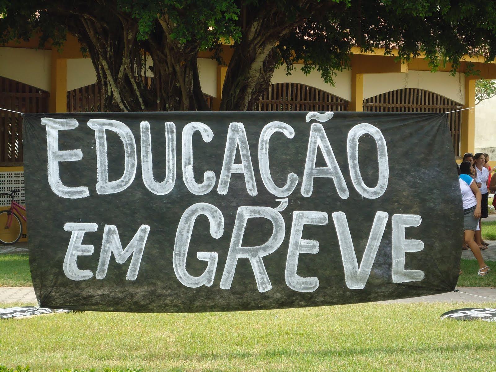 Resultado de imagem para educação de greve