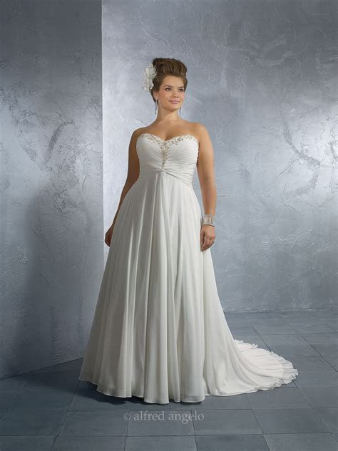 Plus size corset wedding dresses: Pictures ideas, Guide to
