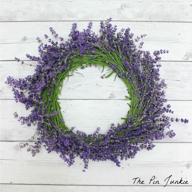 how to diy a lavender wreath