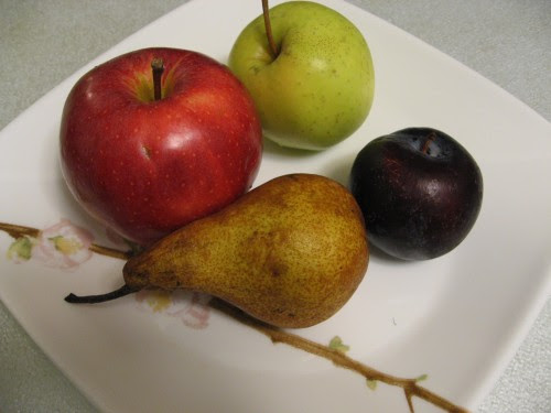 plum pear apples soluble fibre foods