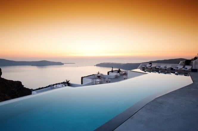 satorini grace pool at sunset
