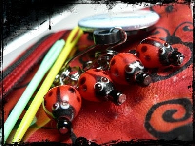 Little notions zipper pouch whit 4  ladybug stitch markers