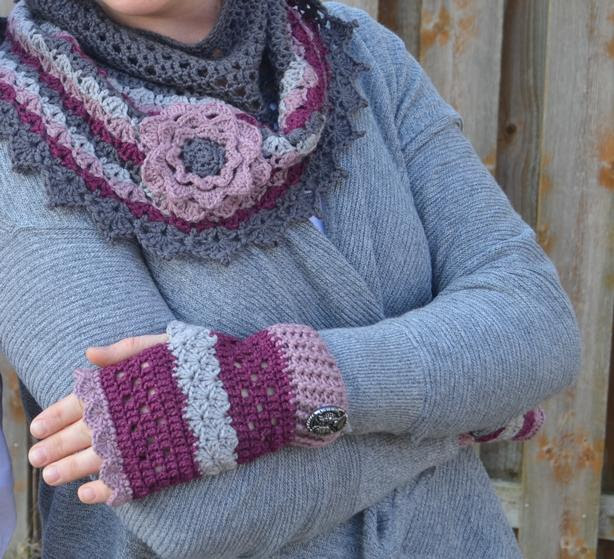 Amica Fingerless Mitts Pattern - Crochet Patterns
