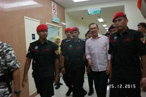 'Anwar maafkan semua musuh politik'