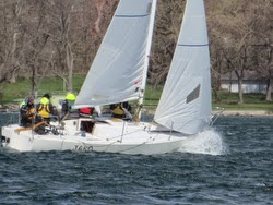 J/24 sailing Canandaigua Lake in New York