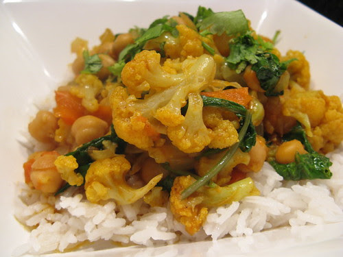 Curried Cauliflower with Chickpeas & Tomato