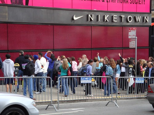 Nike Women's Marathon Wall of Names