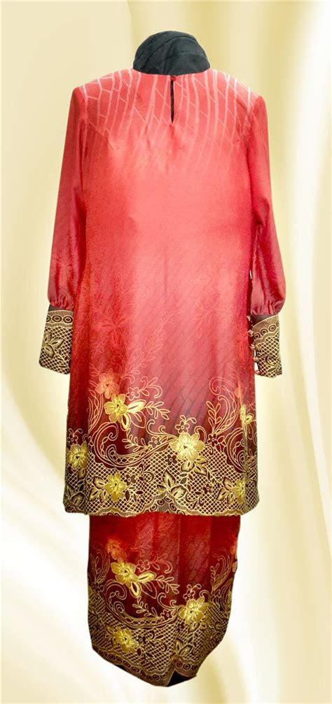 klm baju kurung merah bercorak bu    pm