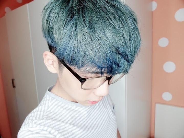 typicalben blue hair