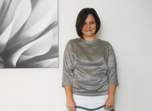 moda tasarım dikiş kendin dik bluz yapımı kolay Burda Ağustos sayısı no. 108 siyah beyaz