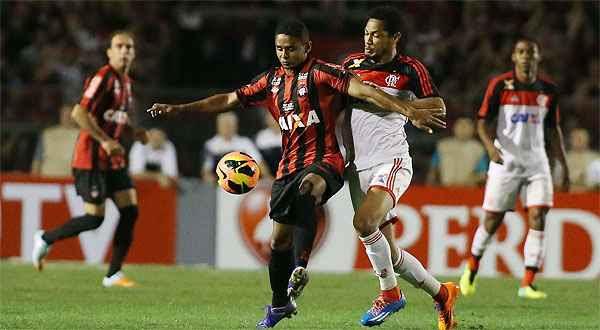 Flamengo conseguiu reação no primeiro jogo e arrancou empate diante do Furacão em Curitiba  (MARCOS BEZERRA/FUTURA PRESS/ESTADAO CONTEUDO PR )