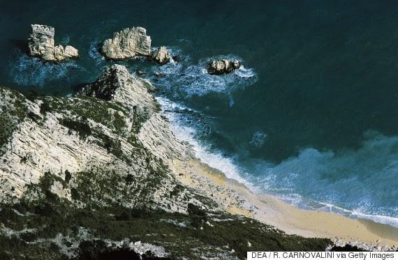spiaggia delle due sorelle italy