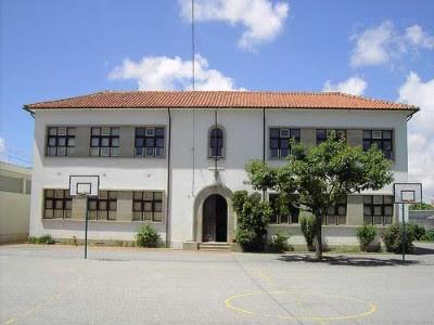 As comunidades educativas ainda não sabem se é a sua escola que vai encerrar daqui a poucas semanas. Foto memoria.pt/Flickr