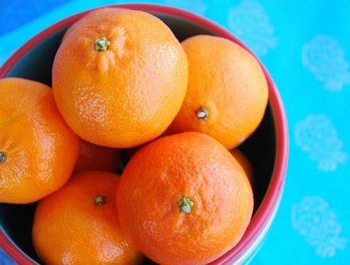 clementines bowl blue mat
