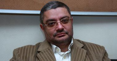 الدكتور خالد المليجى استشارى طب وجراحة الفم والأسنان