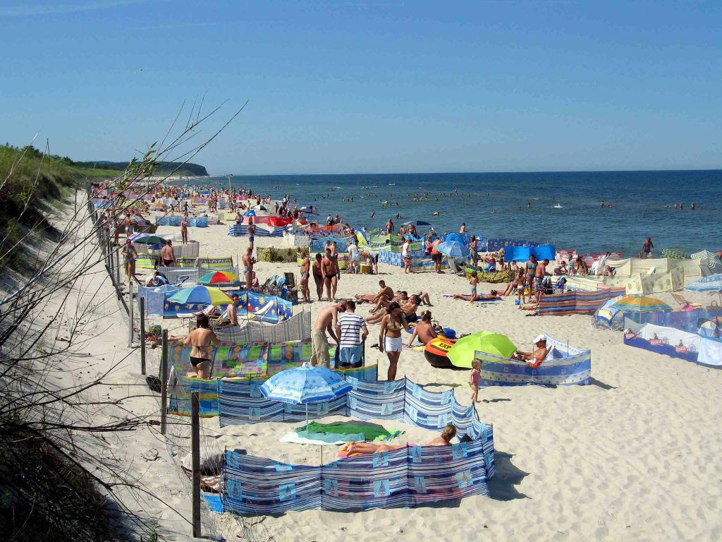 Separadores de espaço na praia, uma tradição polonesa 14