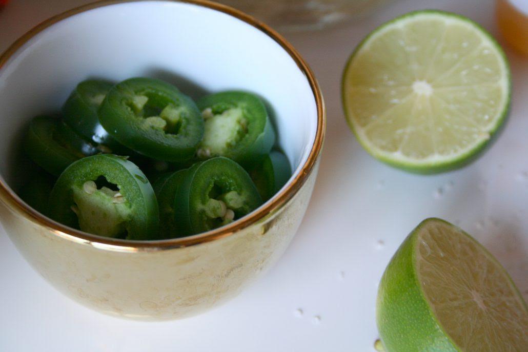 Spicy, Skinny Margarita Recipe » Hustle + Halcyon