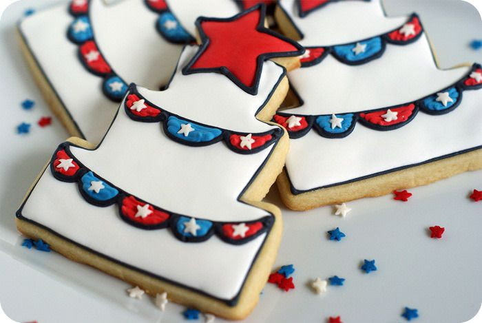 4th of july decorated cookies with bunting + easy tutorial