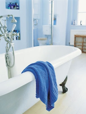 How to Clean a Vinyl Shower Curtain | Overstock.