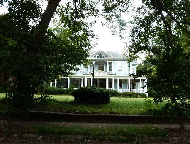 P1030492-2010-08-20-Howard-Kirkwood-House