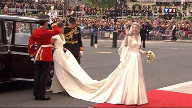 Kate Middleton, dans une somptueuse robe blanche, le 29 avril 2011.