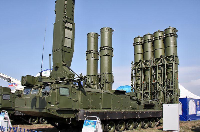 El sistema de misiles ruso S-300VM, es capaz de alcanzar objetivos localizados a 200 kilómetros.