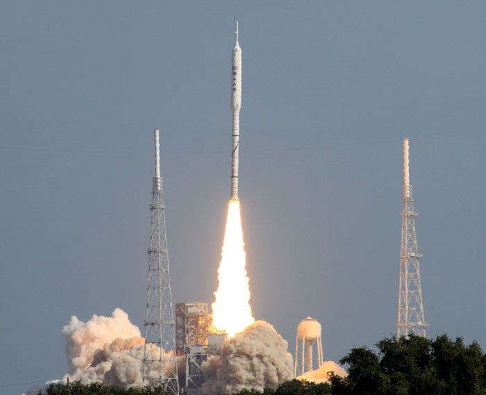 The ARES I-X rocket successfully lifts off from Launch Complex 39B at NASA's Kennedy Space Center in Florida, on October 28, 2009.