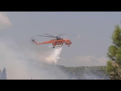 Σε εξέλιξη, αλλά με καλύτερη εικόνα η πυρκαγιά στο Λαύριο