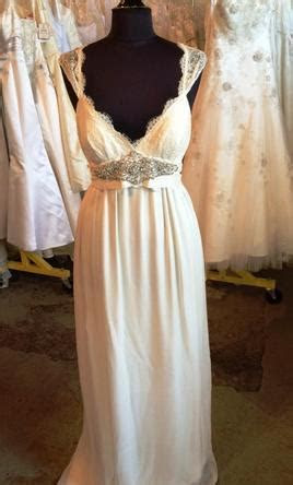 Anna Campbell Emily, $800 Size: 2   Sample Wedding Dresses