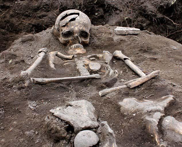 """vampiro real Descubren la tumba de un """"vampiro real"""" en Bulgaria"""