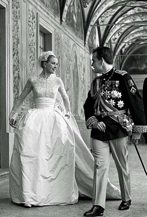 Princess GRACE KELLY ? The BRIDE ? Gold Label Silkstone