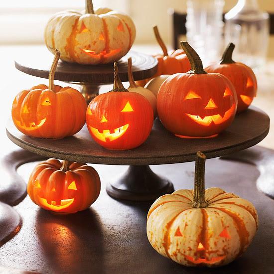 Jack-o'-Lantern Halloween Centerpiece