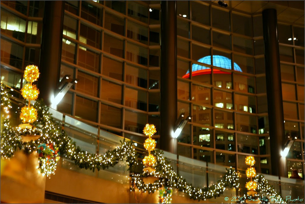 Second & Seneca Building Christmas Lighting