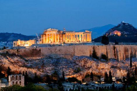 Bloomberg: Τα τέσσερα σενάρια για την επόμενη ημέρα της Ελλάδας