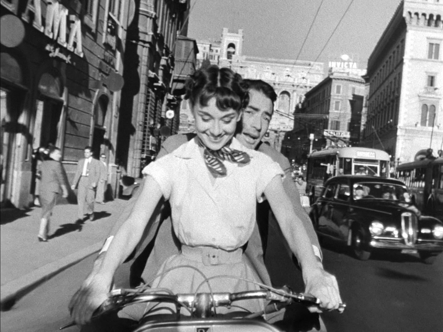 File:Audrey Hepburn and Gregory Peck on Vespa in Roman Holiday trailer.jpg