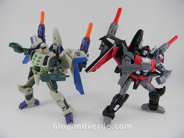 Transformers Sky Shadow Deluxe - Generations - modo robot vs Thunderwing