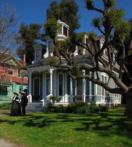 Valley Knudsen Garden-Residence