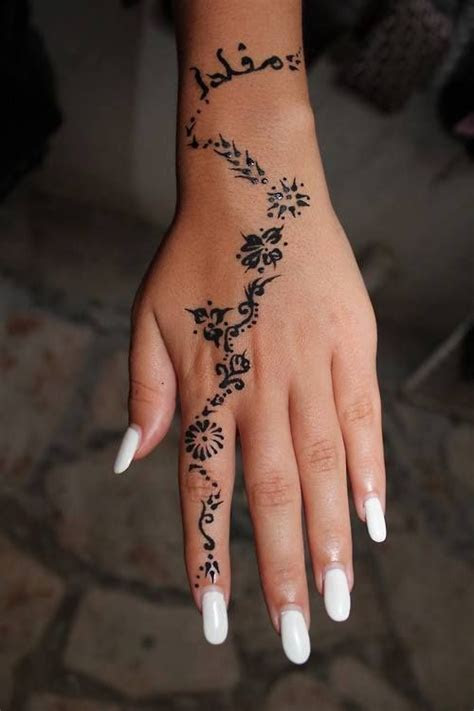 hand tattoos girls designs ideas meaning