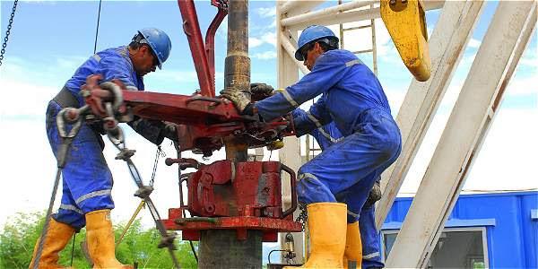 Refinerías y plantas de extracción de petróleo en los alrededores del municipio de Puerto Boyacá