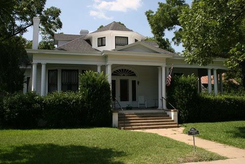edward lewis house