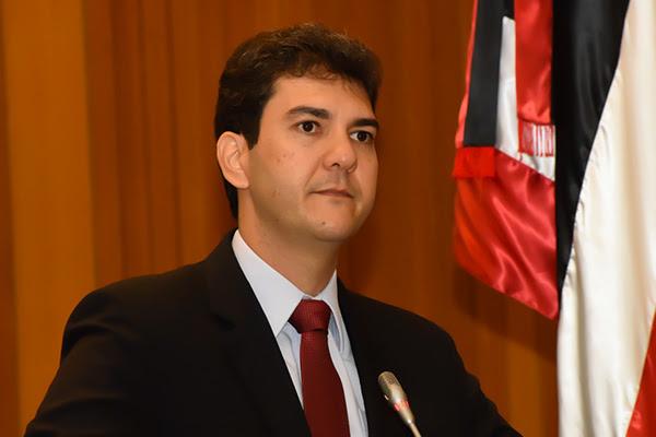 Eduardo Braide cobra a Prefeitura de São Luís recuperação de avenidas da Cidade Olímpica