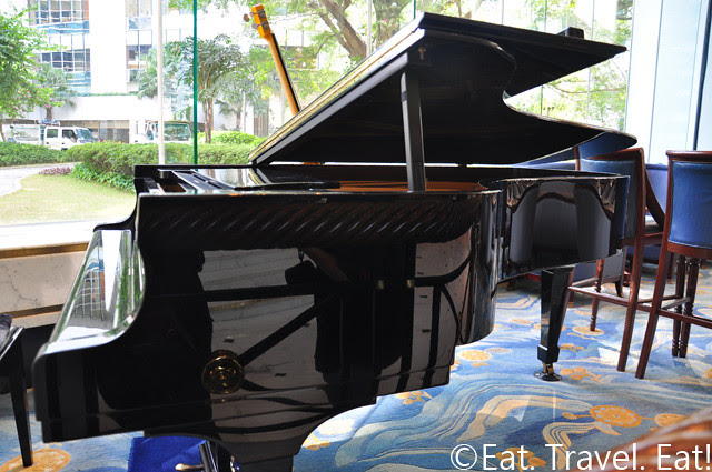 Island Shangri-La Hamburg Steinway and Sons Piano @ Lobby Lounge