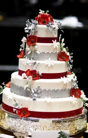 Delicious Red Wedding Cakes   Red Wedding Cakes Pictures