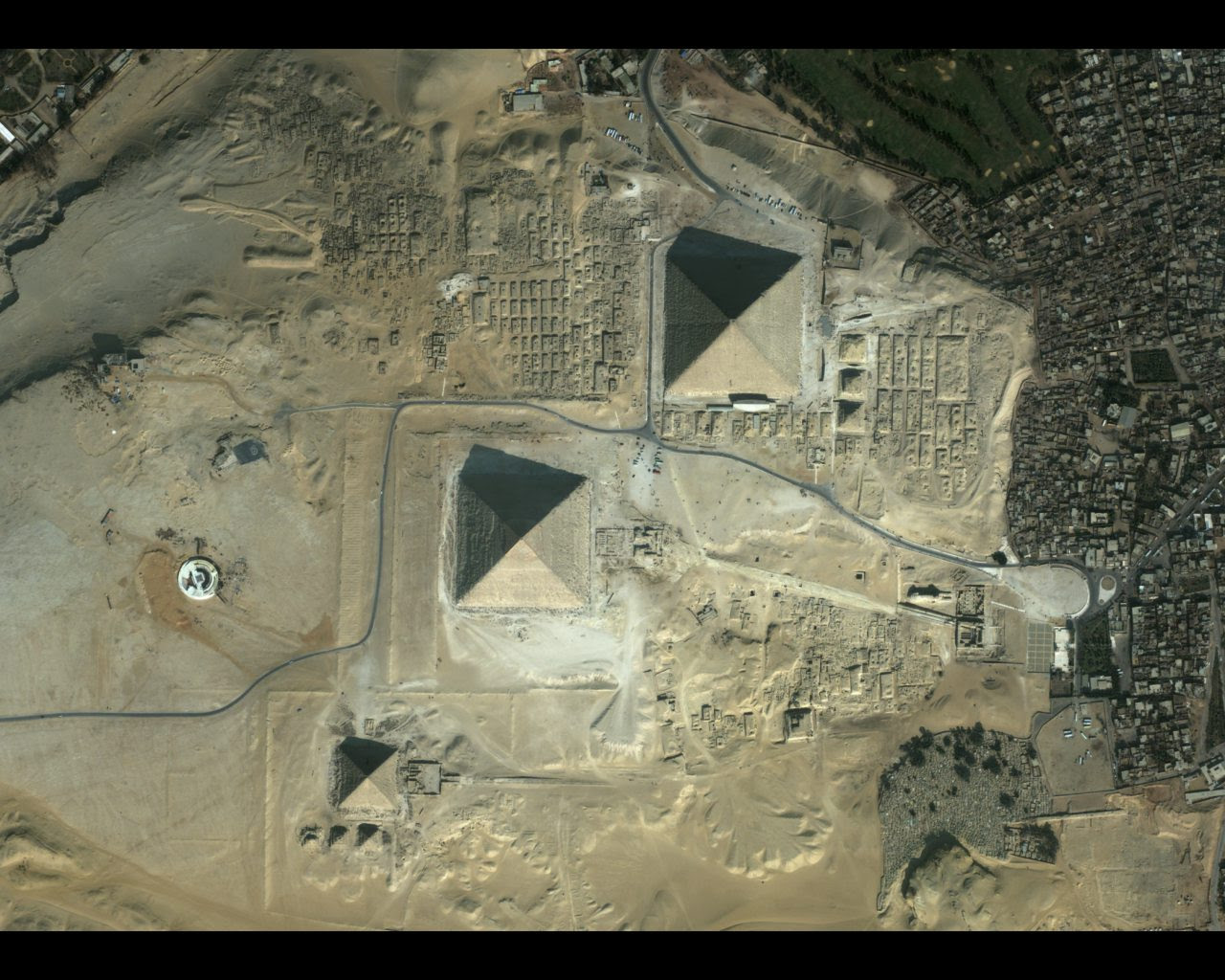 egypt_pyramids_2002_ikonoswall